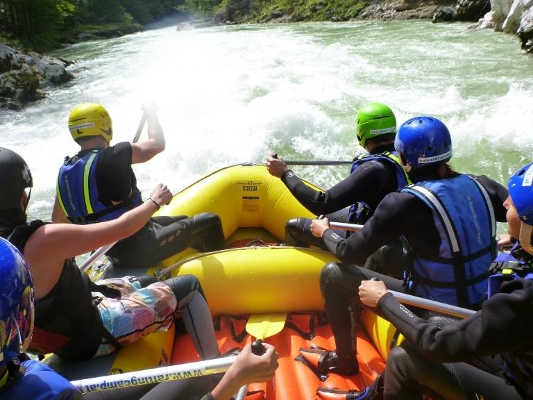 Raftinggruppe in der langen Gasse