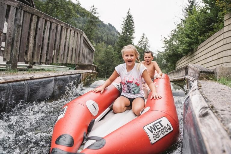 Bootfahrten im Wasserspielpark